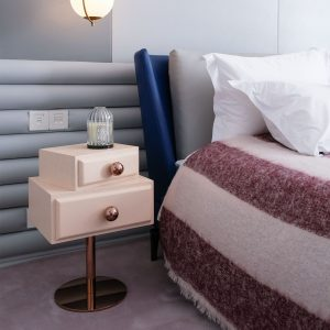 6-stand-by-me-tables-bed-side-pink-wood-maison-dada